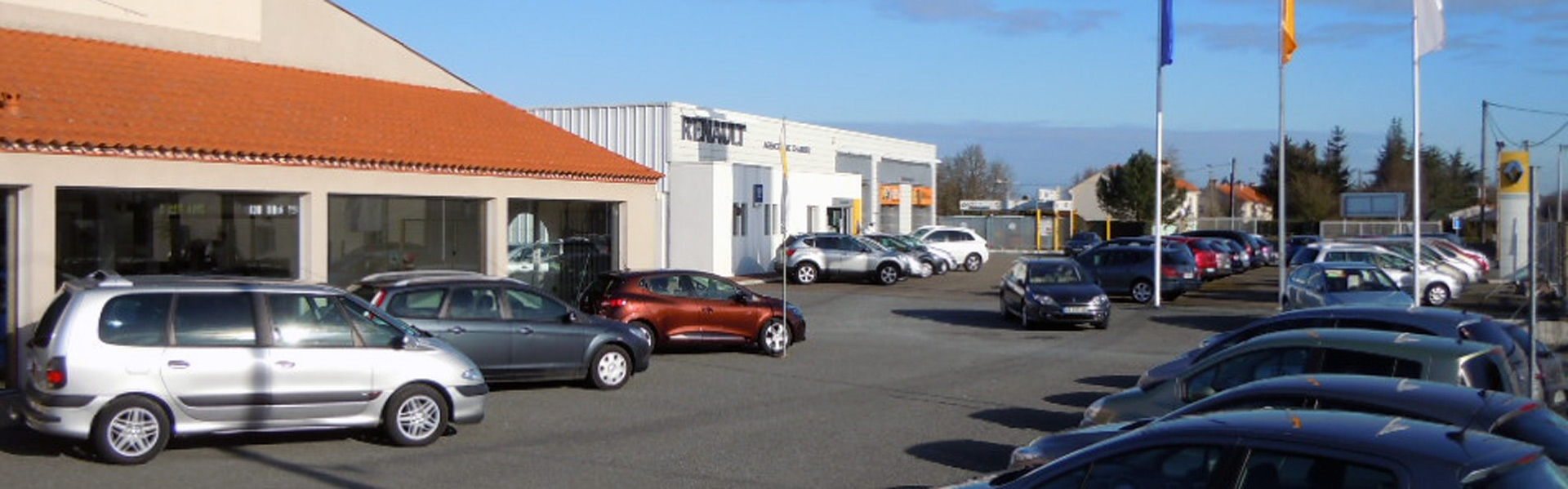 Garage charrier vente de voiture d 39 occasion nantes for Garage vente de voiture d occasion montpellier