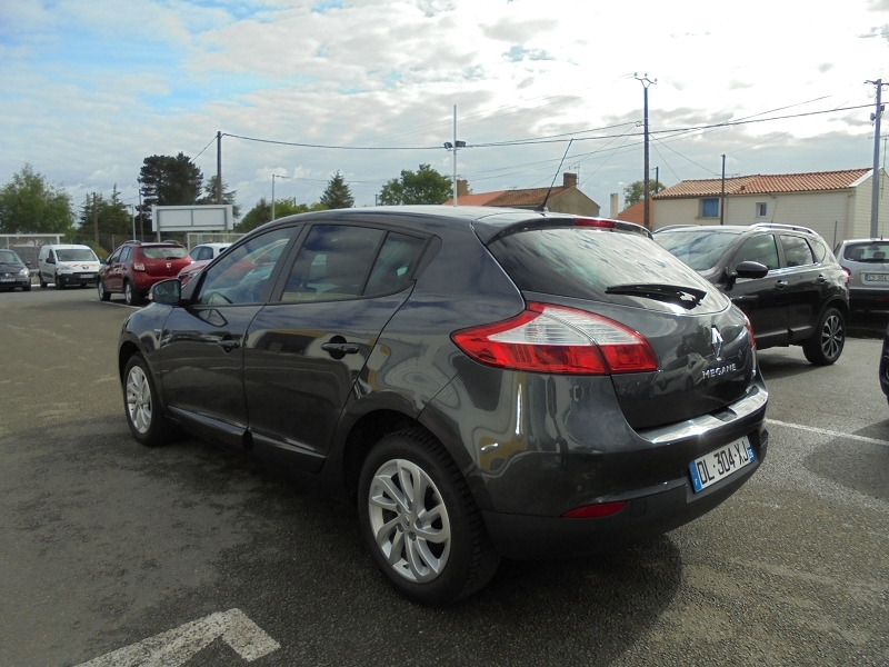 Photo 2 de l'offre de RENAULT MEGANE III 1.2 TCE 115CH ENERGY LIMITED ECO² à 9990€ chez Garage Charrier