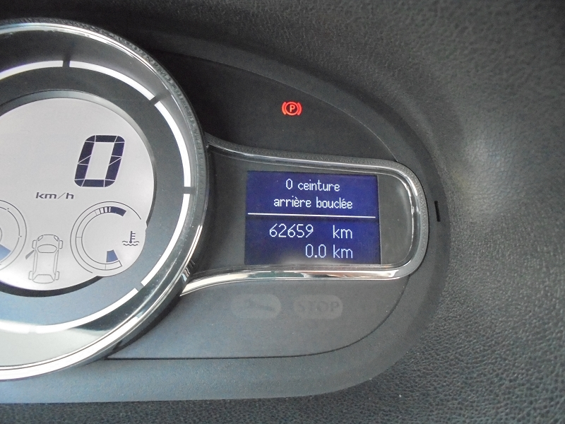 Photo 12 de l'offre de RENAULT MEGANE III 1.2 TCE 115CH ENERGY LIMITED ECO² à 9990€ chez Garage Charrier