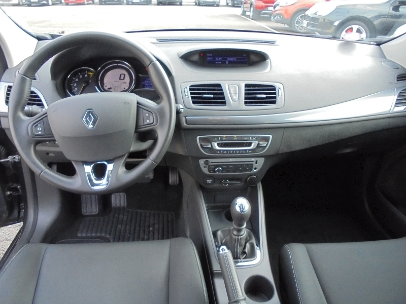 Photo 13 de l'offre de RENAULT MEGANE III 1.2 TCE 115CH ENERGY LIMITED ECO² à 9990€ chez Garage Charrier