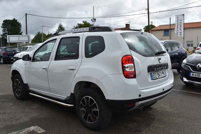 Photo 2 de l'offre de DACIA DUSTER 1.2 TCE 125CH STEEL 4X2 EURO6 à 12990€ chez Garage Charrier