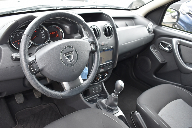 Photo 8 de l'offre de DACIA DUSTER 1.2 TCE 125CH STEEL 4X2 EURO6 à 12990€ chez Garage Charrier