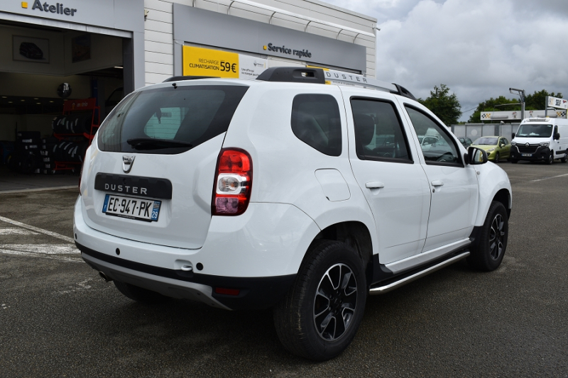 Photo 10 de l'offre de DACIA DUSTER 1.2 TCE 125CH STEEL 4X2 EURO6 à 12990€ chez Garage Charrier