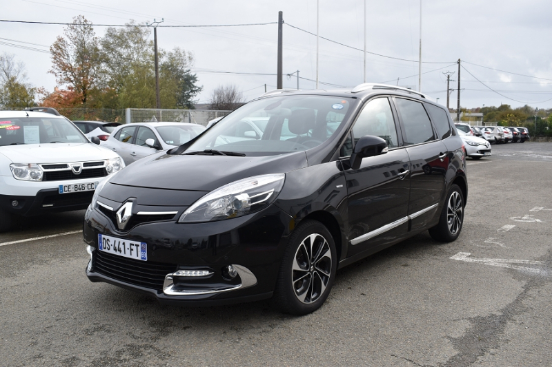 Photo 13 de l'offre de RENAULT GRAND SCENIC III 1.6 DCI 130CH ENERGY BOSE ECO² 7 PLACES 2015 à 12990€ chez Garage Charrier